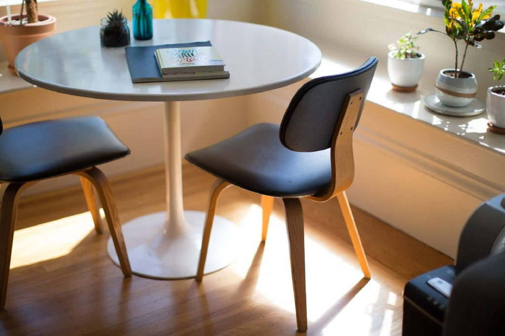 furniture_table_chairs